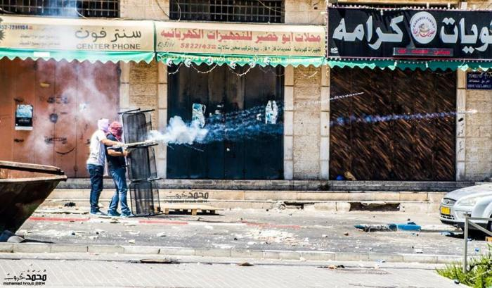 مواجهات عنيفة ضدّ شرطة الاحتلال شهتتها شعفاط والقدس بعد استشهاد أبو خضير. تصوير: محمد حروب